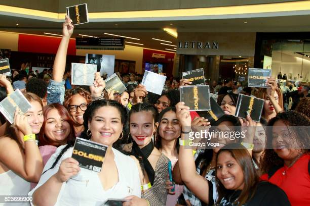 A general view of fans at Romeo Santos' InStore event as part of the promo of his new album 'Golden' at The Mall of San Juan on July 27 2017 in San...