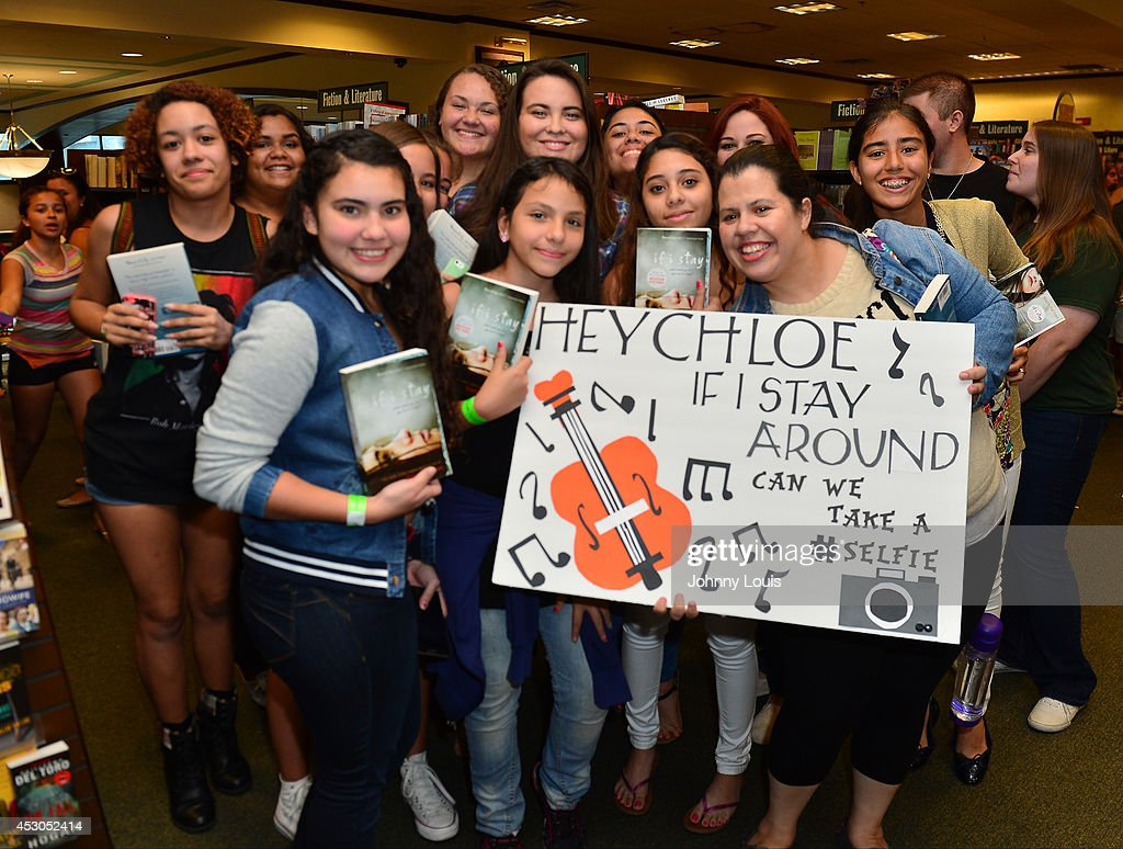 General view of fans attending actress Chloe Grace Moretz book signing 'If I Stay' at Barnes & Noble Booksellers on August 1, 2014 in Miami, Florida.