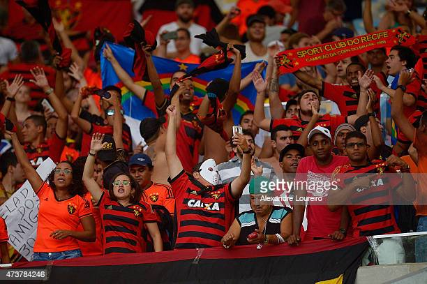 A general view of fans of Sport Recife during the match between Flamengo and Sport Recife as part of Brasileirao Series A 2015 at Maracana stadium on...