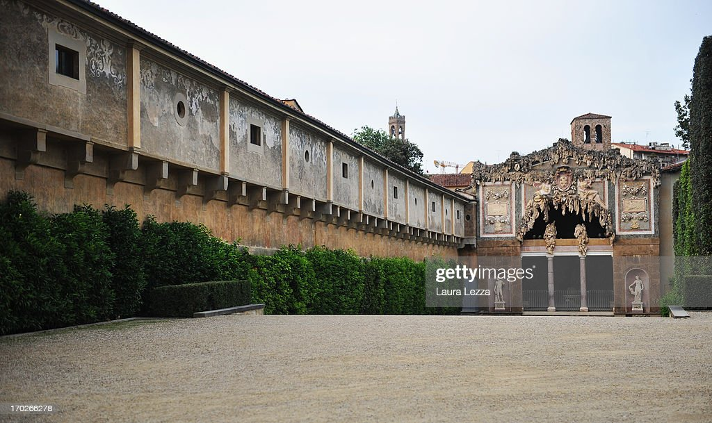 A general view of Grotta del Buontalenti ('Buontalenti Grotto') and the Vasari Corridor inside the Boboli Gardens on June 8, 2013 in Florence, Italy. The latest book by the American writer Dan Brown is set largely in Florence historic centre and the plot is based on Dante's Divina Commedia ('Divine Comedy') and its Inferno. In the novel there are many references to his city and to his work.