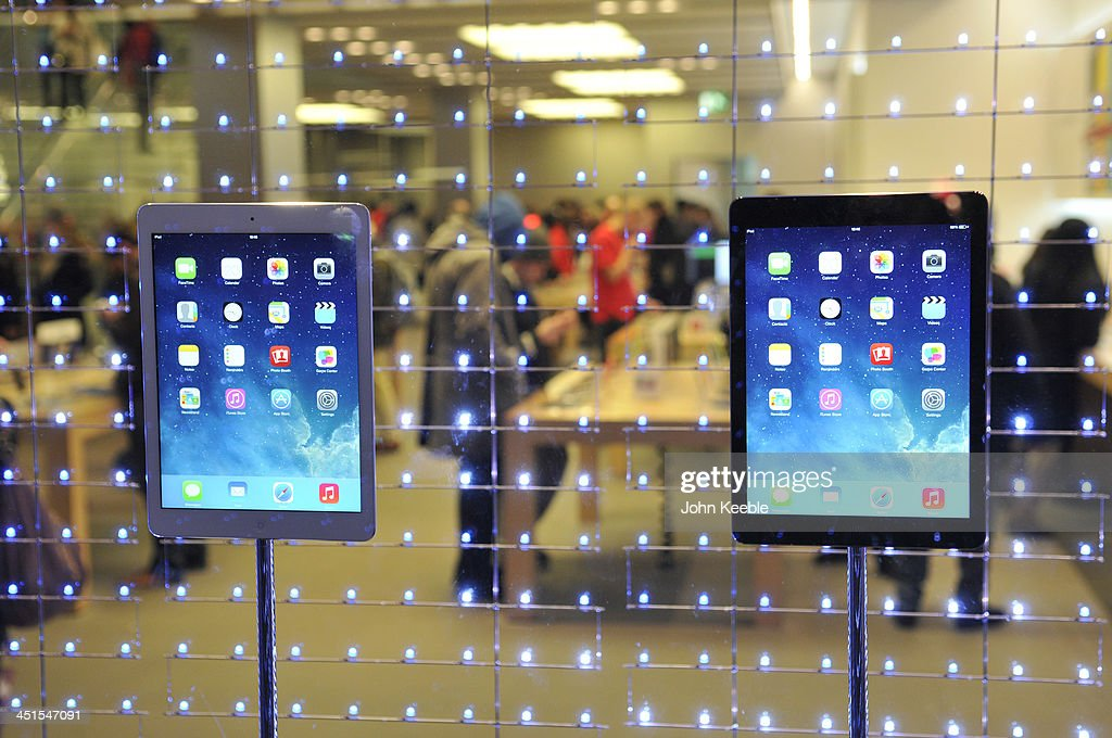 A general view of ipads displayed in the window of the Apple store on regent Street on November 20, 2013 in London, England. Apple CEO Tim Cook recently stated that he had high hopes for 'an iPad Christmas' having recently introduced the iPad Air, and the iPad Mini with Retina Display.