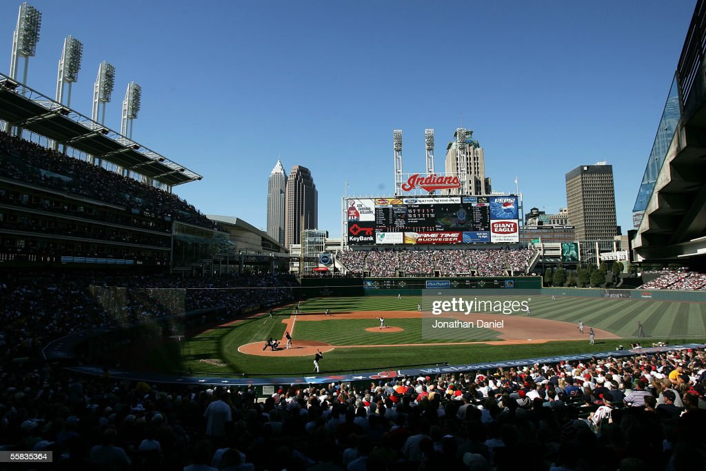 A general view of Jacobs Field as the Chicago White Sox take on the Cleveland Indians on October 1 2005 at Jacobs Field in Cleveland Ohio The White...
