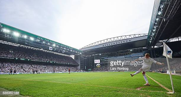 General view of Ludvig Augustinsson of FC Copenhagen kicking the ball for a corner kick during the Danish Alka Superliga match between FC Copenhagen...