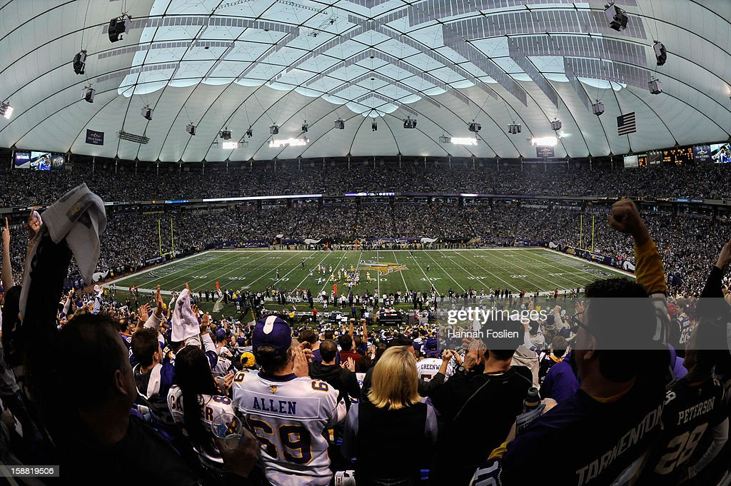 A general view of Mall of America Field at the Hubert H. Humphrey Metrodome during the first quarter of the game between the Minnesota Vikings and the Green Bay Packers on December 30, 2012 in Minneapolis, Minnesota.