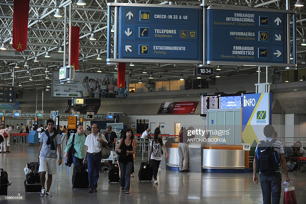 A general view of one of the halls at the Antonio Carlos Jobim international airport in Rio de Janeiro, Brazil on December 20, 2012. Brazilian President Dilma Rousseff on Thursday announced that airports in Rio and Belo Horizonte, two host cities for the 2014 World Cup, would be privatized during a September 2013 auction.