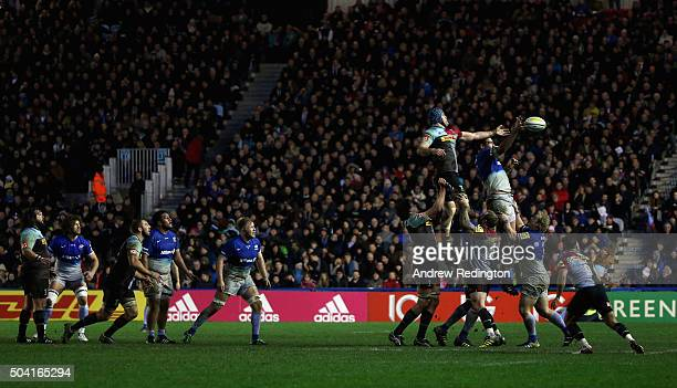 A general view of play as a lineout is contested during the Aviva Premiership match between Harlequins and Saracens at the Twickenham Stoop on...