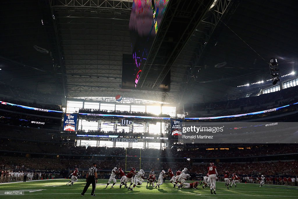 A general view of play between the Arkansas Razorbacks and the Texas AM Aggies during the Southwest Classic at ATT Stadium on September 26 2015 in...