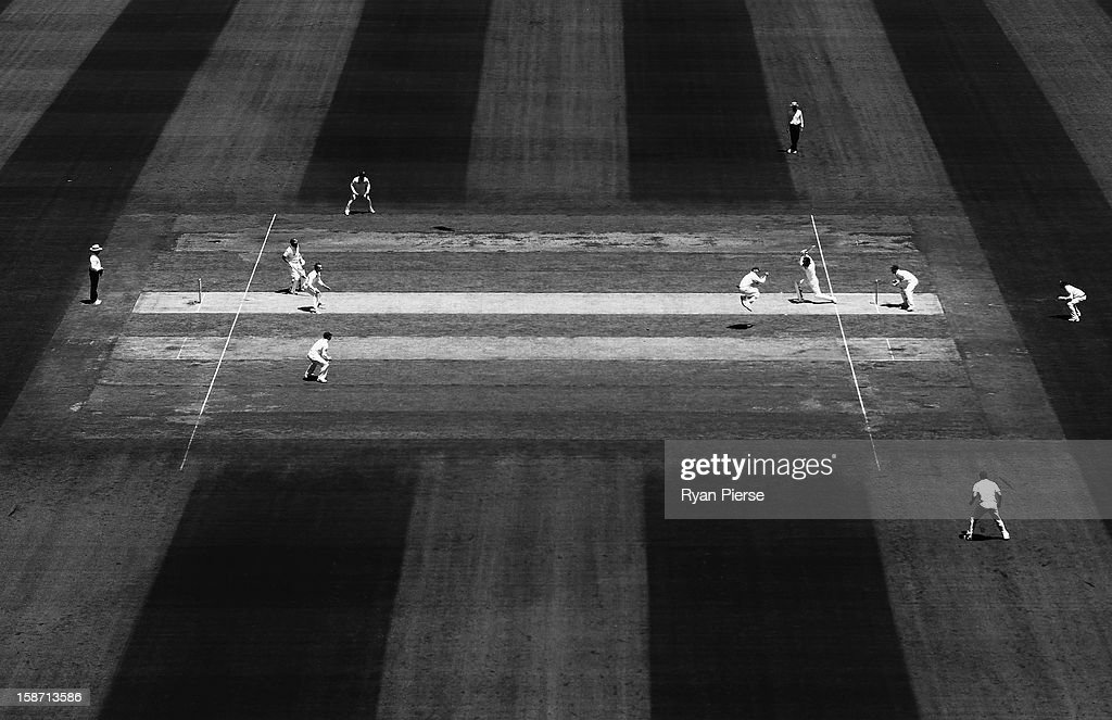 A general view of play during day one of the Second Test match between Australia and Sri Lanka at the Melbourne Cricket Ground on December 26, 2012 in Melbourne, Australia.