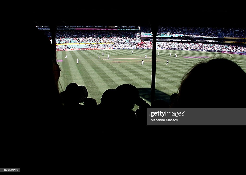 General view of play during day one of the Third Test match between Australia and Sri Lanka at Sydney Cricket Ground on January 3, 2013 in Sydney, Australia.