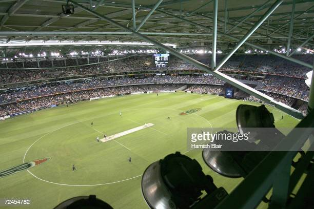 A general view of play during game one of the ChappellHadlee Trophy between Australia and New Zealand played at the Telstra Dome on December 5 2004...