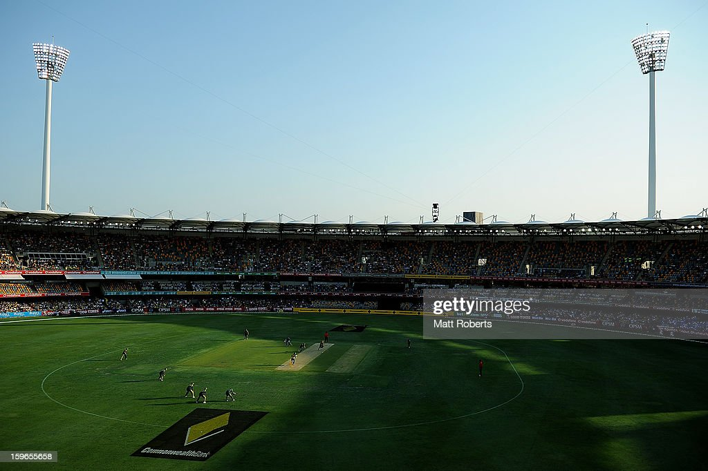 A general view of play during game three of the Commonwealth Bank one day international series between Australia and Sri Lanka at The Gabba on January 18, 2013 in Brisbane, Australia.