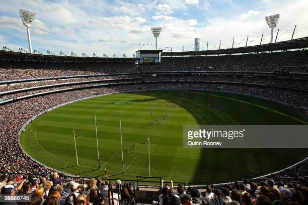 A general view of play during the round five AFL match between the Carlton Blues and the Geelong Cats at Melbourne Cricket Ground on April 26 2010 in...