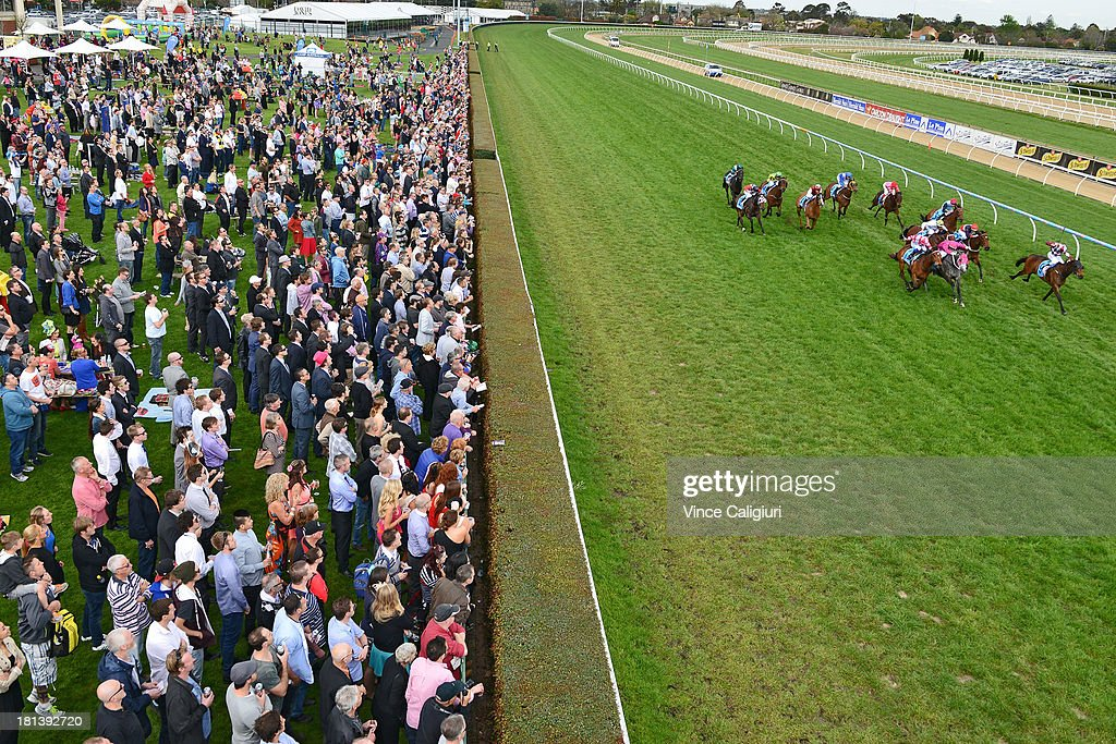 General view of Race 5, the Sportingbet Sprint Series Heat 2 Stakes during Melbourne Racing at Caulfield Racecourse on September 21, 2013 in Melbourne, Australia.