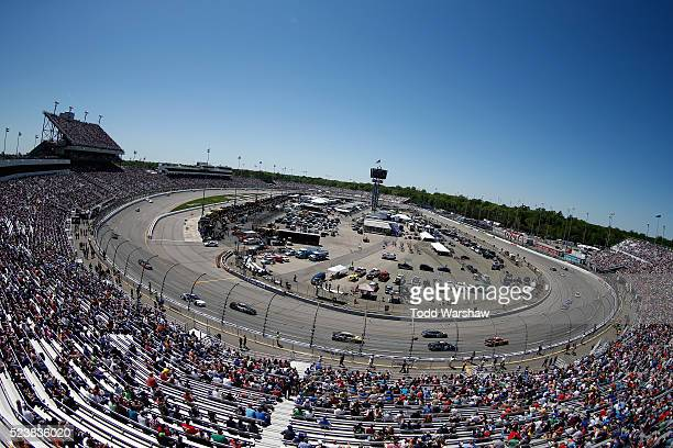 A general view of race action during the NASCAR Sprint Cup Series TOYOTA OWNERS 400 at Richmond International Raceway on April 24 2016 in Richmond...