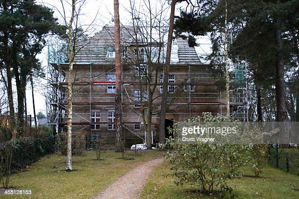 A general view of rap artist Bushido's residence on December 11 2013 in Kleinmachnow Germany Early wednesday morning a blaze was extinguished by...
