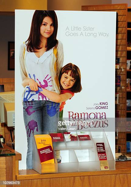 General view of Selena Gomez and Joey Kings attend meet and greet event for the new upcoming film 'Ramona and Beezus' at Borders store on July 17...