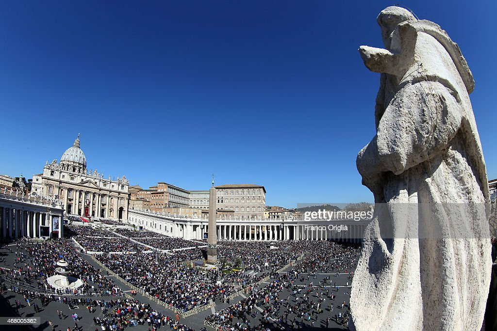 A general view of St. Peter's Square during the Palm Sunday Mass held by Pope Francis on March 29, 2015 in Vatican City, Vatican. On Palm Sunday Christians celebrate Jesus' arrival into Jerusalem, where he was put to death. It marks the official beginning of Holy Week during which Christians observe the death of Christ before celebrations begin on Easter.