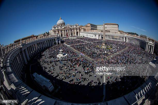 A general view of St Peter's Square during the Palm Sunday Mass held by Pope Francis on March 29 2015 in Vatican City Vatican On Palm Sunday...