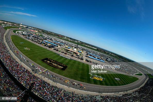 A general view of the action during the NASCAR Sprint Cup Series Hollywood Casino 400 at Kansas Speedway on October 16 2016 in Kansas City Kansas