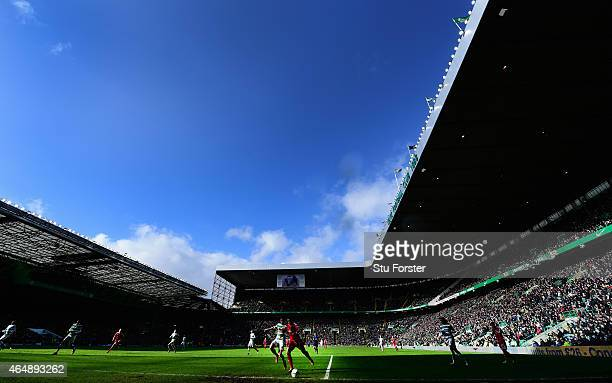 A general view of the action during the Scottish Premiership match between Celtic and Aberdeen at Celtic Park Stadium on March 1 2015 in Glasgow...