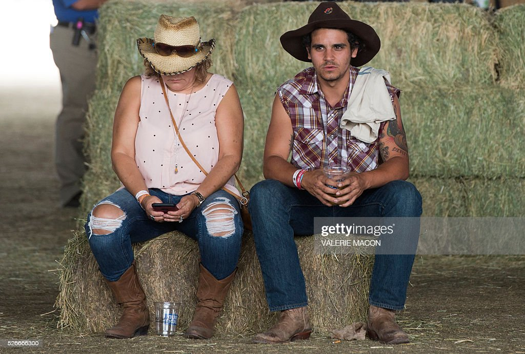 General view of the ambiance at Stagecoach 2016, in Indio, California, on April 30, 2016. / AFP / VALERIE
