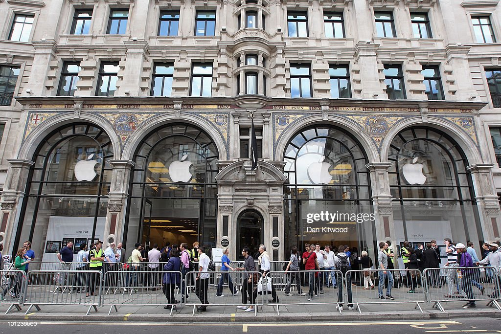 A general view of the Apple store on Regent Street on May 28, 2010 in London, England. Apple iPads went on sale today in countries including Japan, Australia, Germany, Italy, Canada, Switzerland and the United Kingdom as part of Apple's global roll-out of the hugely successful new device.