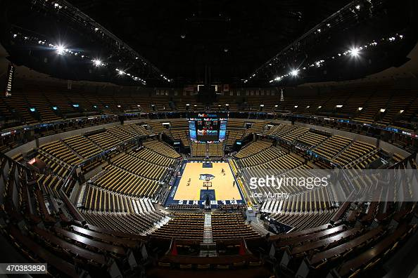 A general view of the arena before Game One of the Western Conference Quarterfinals of the 2015 NBA Playoffs between the Memphis Grizzlies and the...