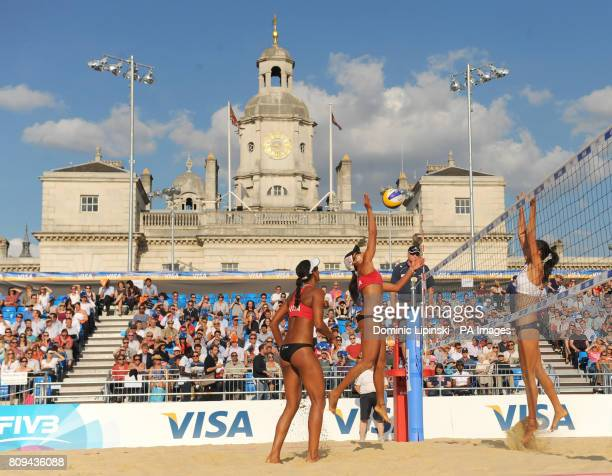General view of the arena during the the preliminary phase match between China's Fan Wang and Yuanyuan Ma and Puerto Rico's Yarleen Santiago and...