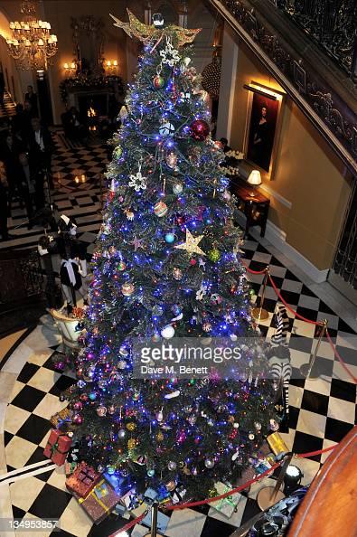 Claridge 39 S Unveils Alber Elbaz For Lanvin Christmas Tree