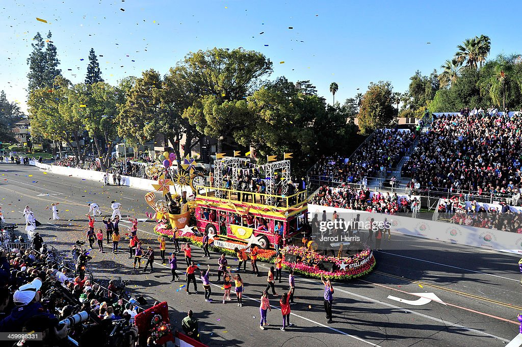 A general view of the atmosphere at the 2014 Rose Parade on January 1, 2014 in Pasadena, California.