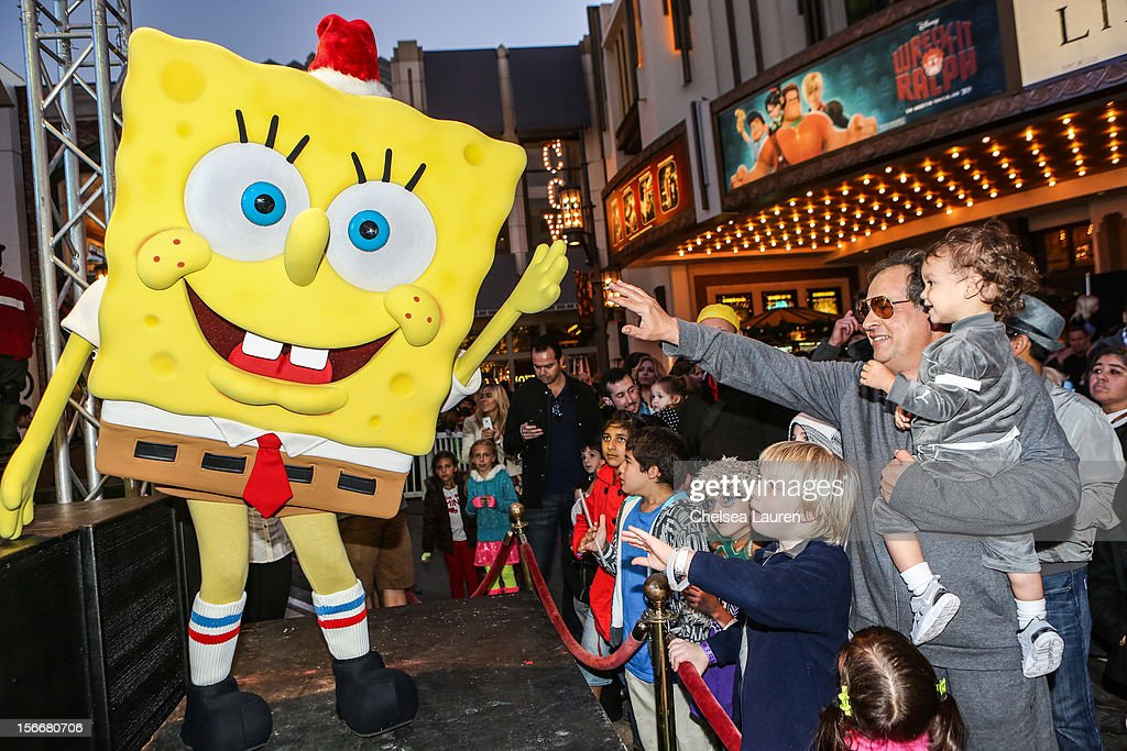 A general view of the atmosphere at the 'Spongebob Holiday Extravapants!' stage show at The Grove on November 18, 2012 in Los Angeles, California.