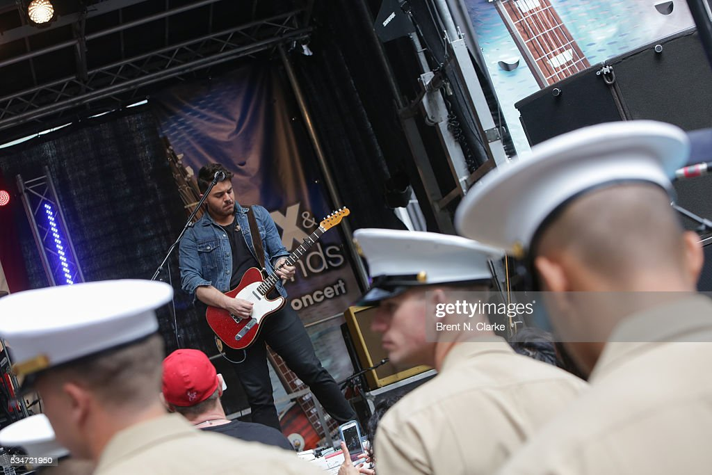 A general view of the atmosphere during recording artist Dustin Lynch's performance at the 'FOX & Friends' All American Concert Series outside of FOX Studios on May 27, 2016 in New York City.