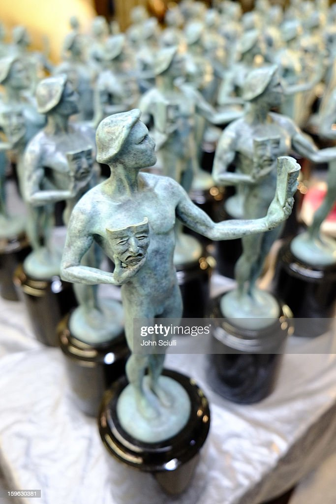 General view of the atmosphere during the 19th Annual SAG Awards 2013 SAG Actor Pouring at American Fine Arts Foundry on January 17, 2013 in Burbank, California. (Photo by John Sciulli/WireImage) 23116_008_JS_0643.jpg