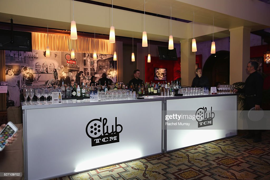 A general view of the bar at the Official Closing Night Party during the TCM Classic Film Festival 2016 on May 1, 2016 in Los Angeles, California. 25826_007