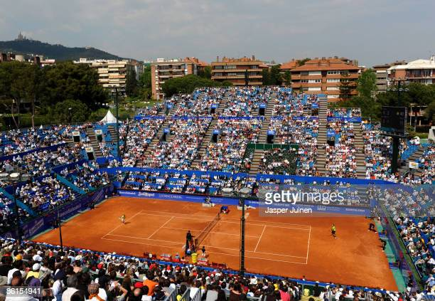 A general view of the central court during the match between Rafael Nadal of Spain and Frederico Gil of Portugal on day three of the ATP 500 World...