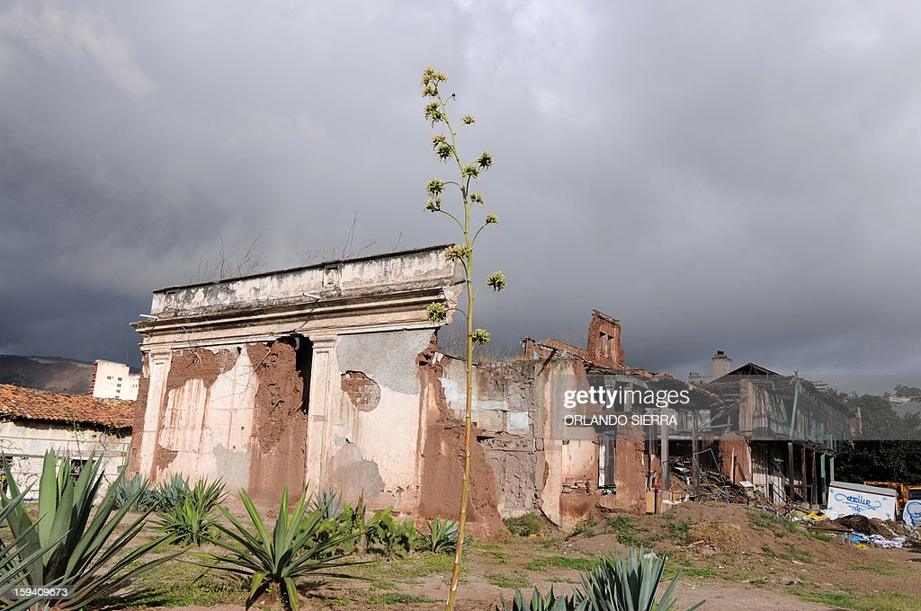 A general view of the Central Penitentiary in the historic center of Tegucigalpa on January 13, 2013. The prison, which was built in 1880 and destroyed by hurricane Mitch in 1998, was declared of national interest in 2002. AFP PHOTO /Orlando SIERRA