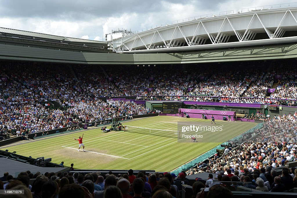 General view of the centre court as <a gi-track='captionPersonalityLinkClicked' href=/galleries/search?phrase=Andy+Murray+-+Tennis+Player&family=editorial&specificpeople=200668 ng-click='$event.stopPropagation()'>Andy Murray</a> of Great Britain plays against <a gi-track='captionPersonalityLinkClicked' href=/galleries/search?phrase=Roger+Federer&family=editorial&specificpeople=157480 ng-click='$event.stopPropagation()'>Roger Federer</a> of Switzerland during the Men's Singles Tennis Gold Medal Match on Day 9 of the London 2012 Olympic Games at the All England Lawn Tennis and Croquet Club on August 5, 2012 in London, England.