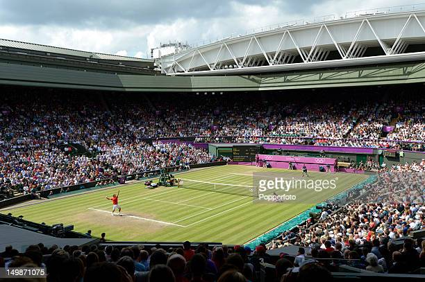 General view of the centre court as Andy Murray of Great Britain plays against Roger Federer of Switzerland during the Men's Singles Tennis Gold...