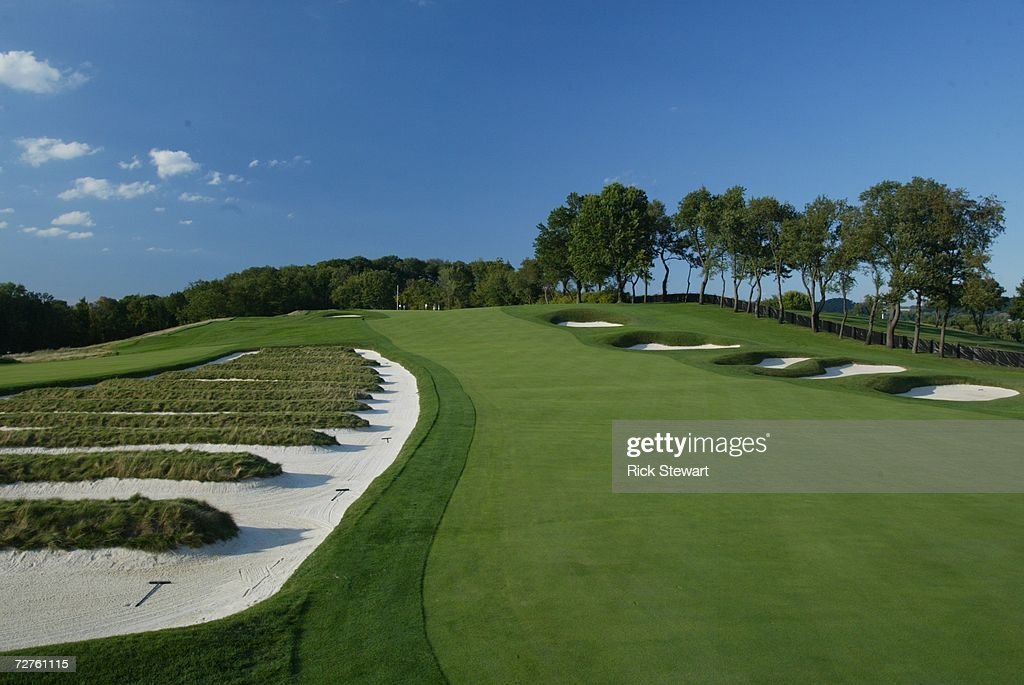 General view of the church pew bunkering on the third hole at Oakmont Country Club, site of the 2007 US Open on September 26, 2006 in Oakmont, Pensylvania.