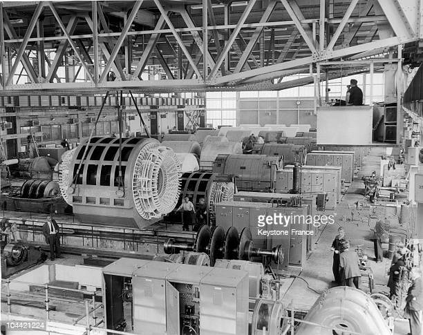 General View Of The Construction And Testing Room Of Jet Engines In A National Construction Factory Of Gaz Turbines In Aldershot England On May 24...
