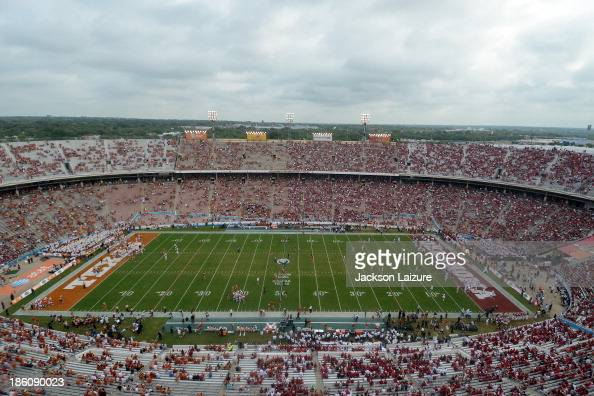 A general view of the Cotton Bowl during the Red River Shootout between the Oklahoma Sooners and the Texas Longhorns on October 12 2013 at The Cotton...