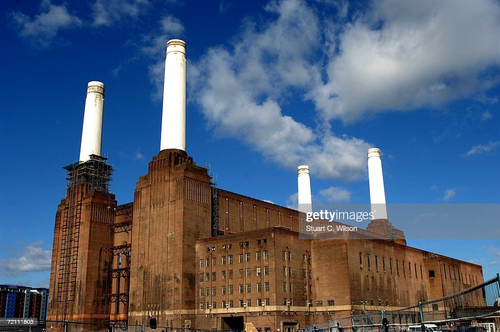 General View of the derelict Battersea Power station which is being used for a Chinese Art exhibition October 7 2006 in London The London monument...