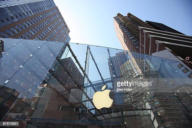 A general view of the exterior of the Apple Store Upper West Side on March 19 2010 in New York City