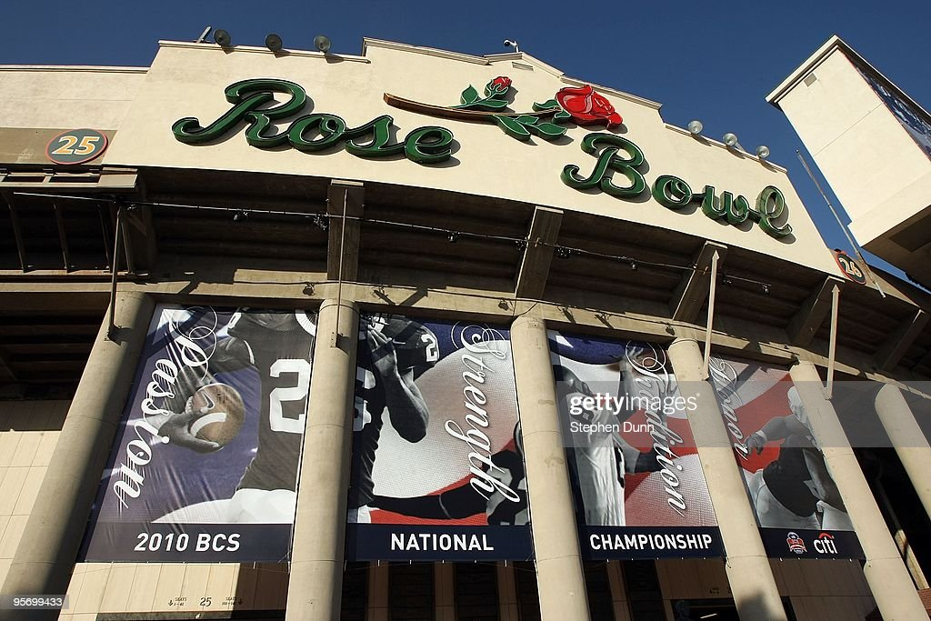 A general view of the exterior of the Rose Bowl before the Texas Longhorns take on the Alabama Crimson Tide in the Citi BCS National Championship game at the Rose Bowl on January 7, 2010 in Pasadena, California.