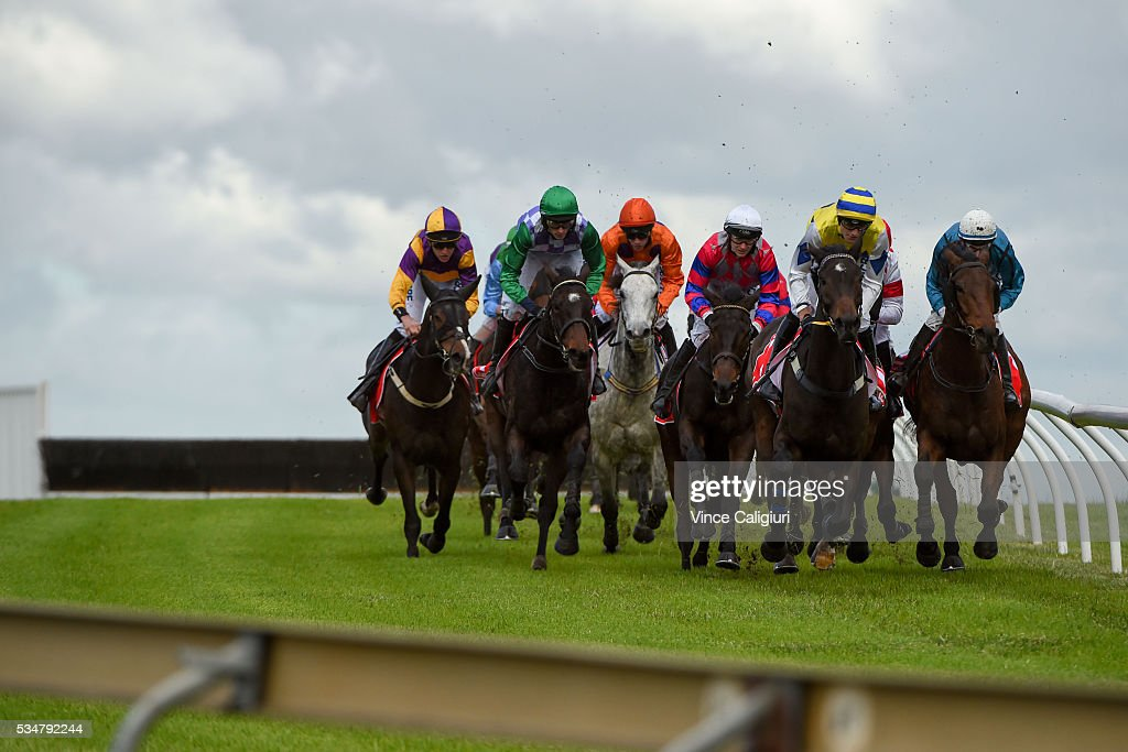 General view of the field racing around the back straight in Race 4, The Australian Steeplechase during Melbourne Racing at Sandown Lakeside on May 28, 2016 in Melbourne, Australia.