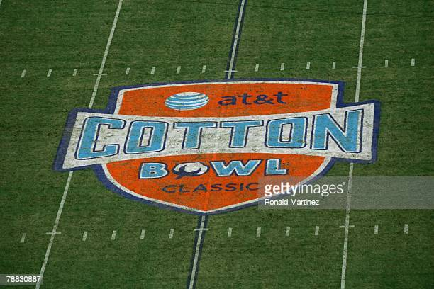 A general view of the field taken during the ATT Cotton Bowl Classic between the Arkansas Razorbacks and the Missouri Tigerson January 1 2008 at the...
