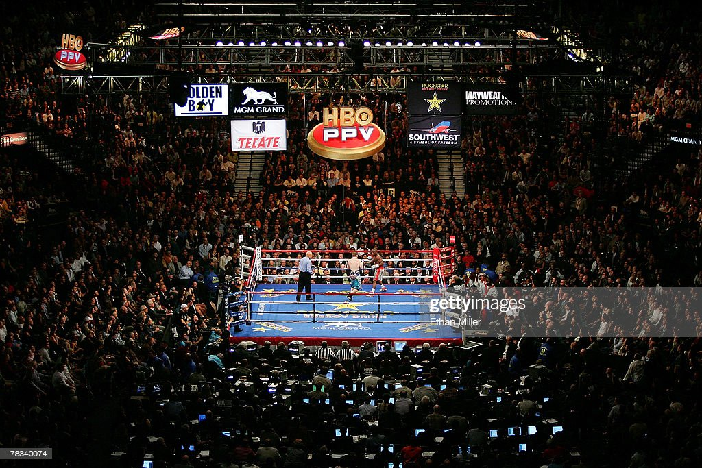 A general view of the fight between Ricky Hatton of England and Floyd Mayweather Jr during their WBC world welterweight championship fight at the MGM...