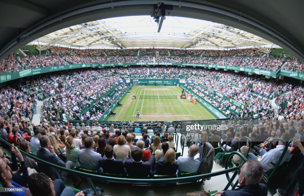 General view of the final match of Swiss Roger Federer against Russia's Mikhail Youzhny at the ATP Gerry Weber Open tennis tournament in Halle...