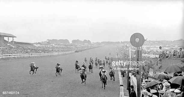 A general view of the finish as Lavandin Rae Johnstone up wins from Montaval Freddie Palmer up and Roistar Jimmy Eddery up