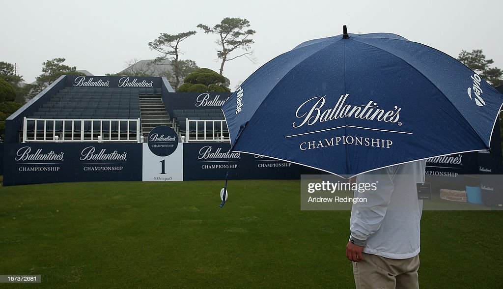 A general view of the first tee as poor visibility and rain cause a weather delay during the first round of the Ballantine's Championship at Blackstone Golf Club on April 25, 2013 in Icheon, South Korea.